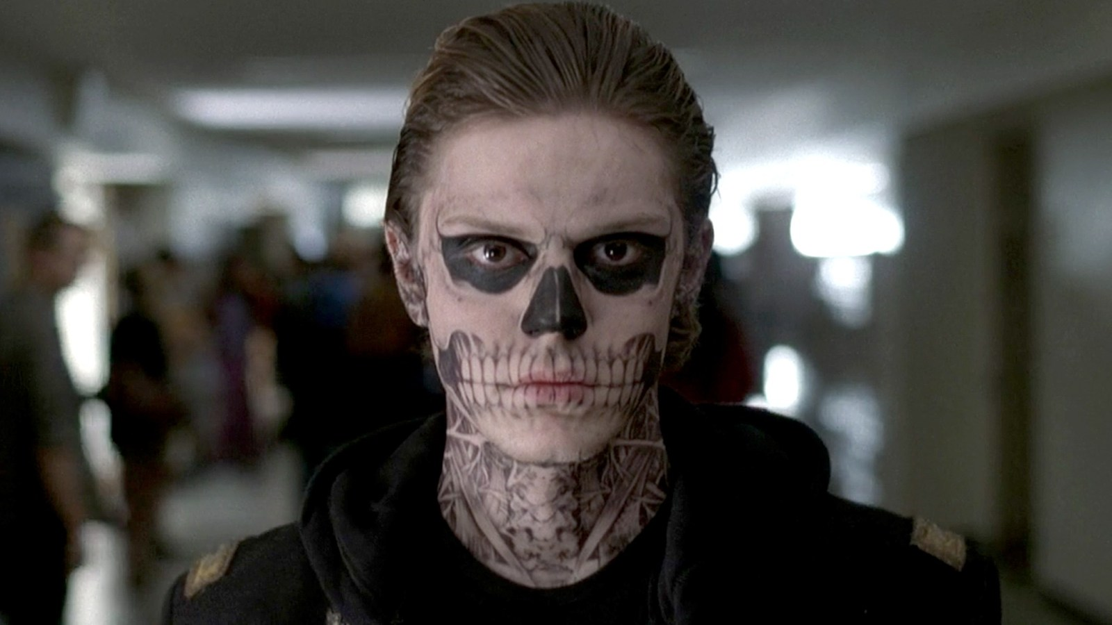 American Horror Story 9: Evan Peters dice addio